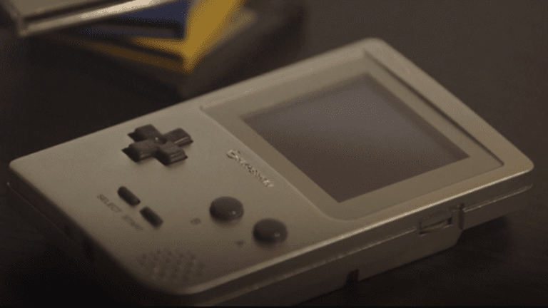 Επανακυκλοφορεί το κλασικό Game Boy!