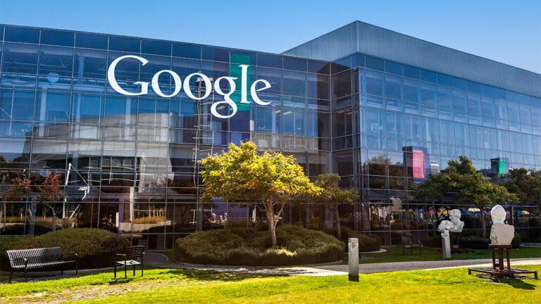 2,4 Εκατομμύρια άνθρωποι έχουν ζητήσει από την Google να «διαγράψει» τα προσωπικά τους στοιχεία και πληροφορίες.