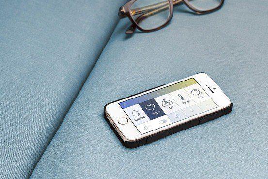 Ετοιμάζεται θήκη κινητού που μετράει την πίεση!