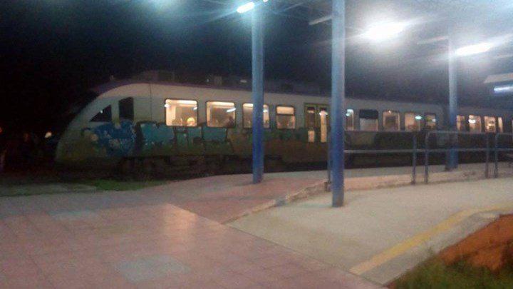 Τρένο εκτροχιάστηκε στην Κατερίνη (pic)
