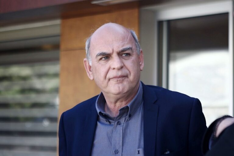 Γραμμένος: «Δεν θα γίνει Grexit, καταδικαστέα η κίνηση Σαββίδη»