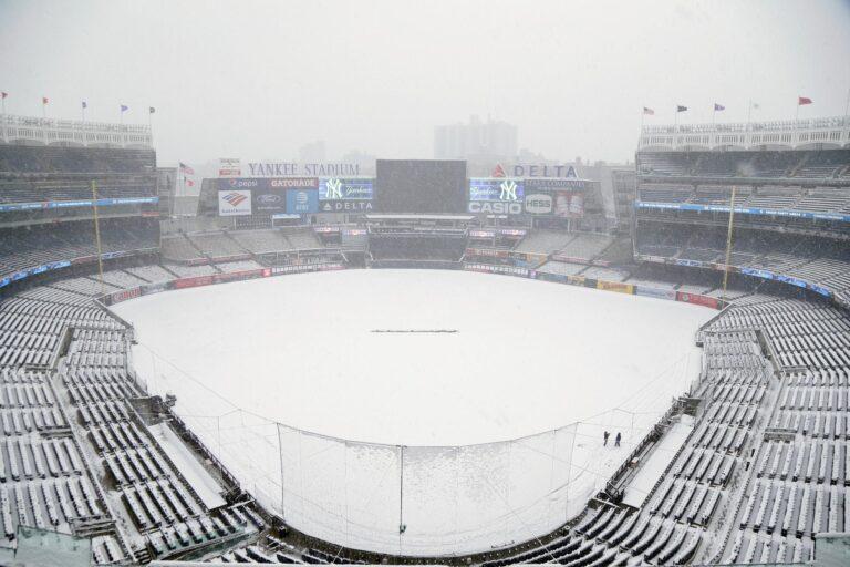 Στη Νέα Υόρκη δεν παίζουν μπέιζμπολ! (pics, vid)