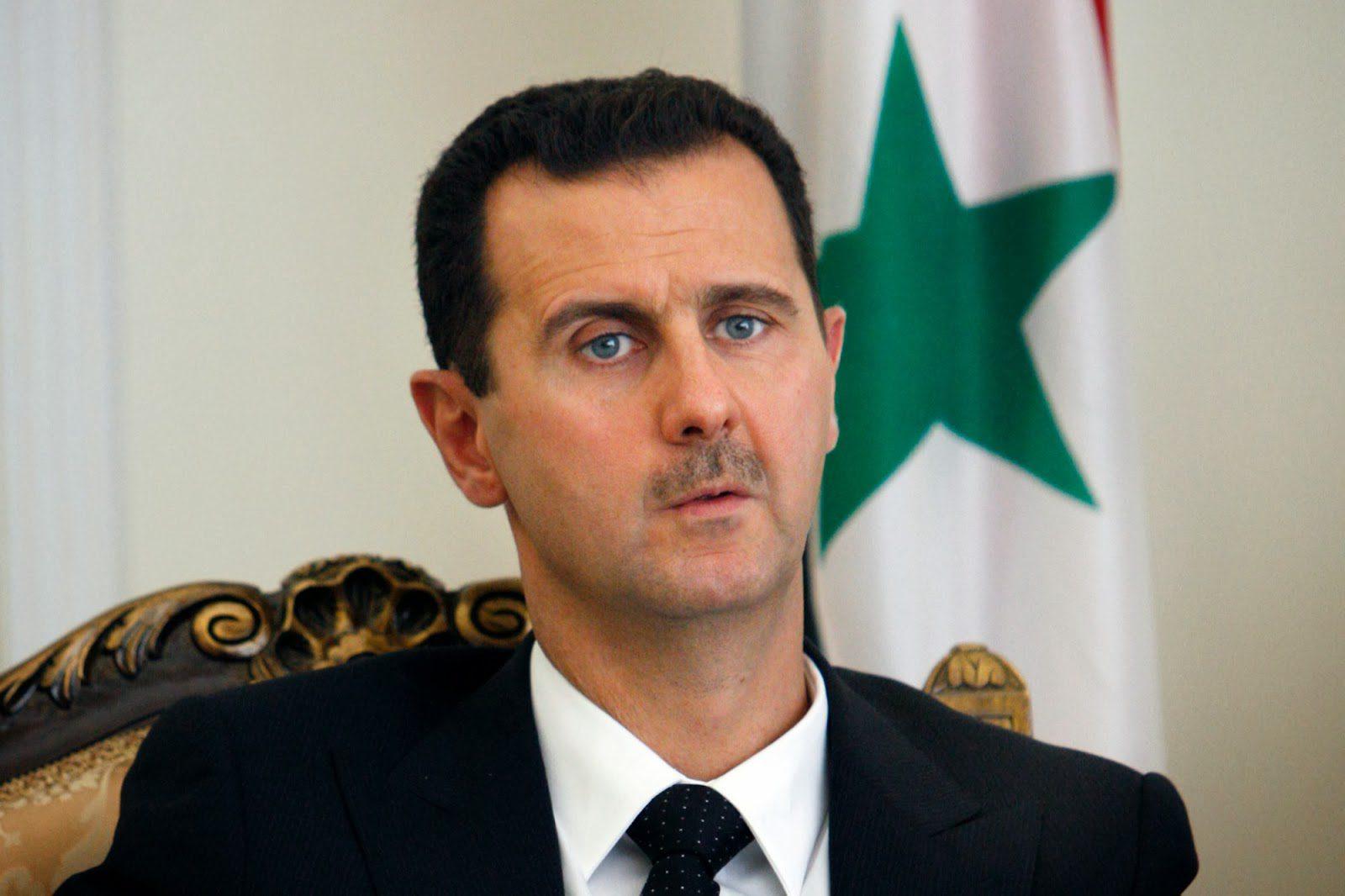 Ο Άσαντ πάει για δουλειά με κουστούμι μετά την επίθεση στη Συρία (vid)