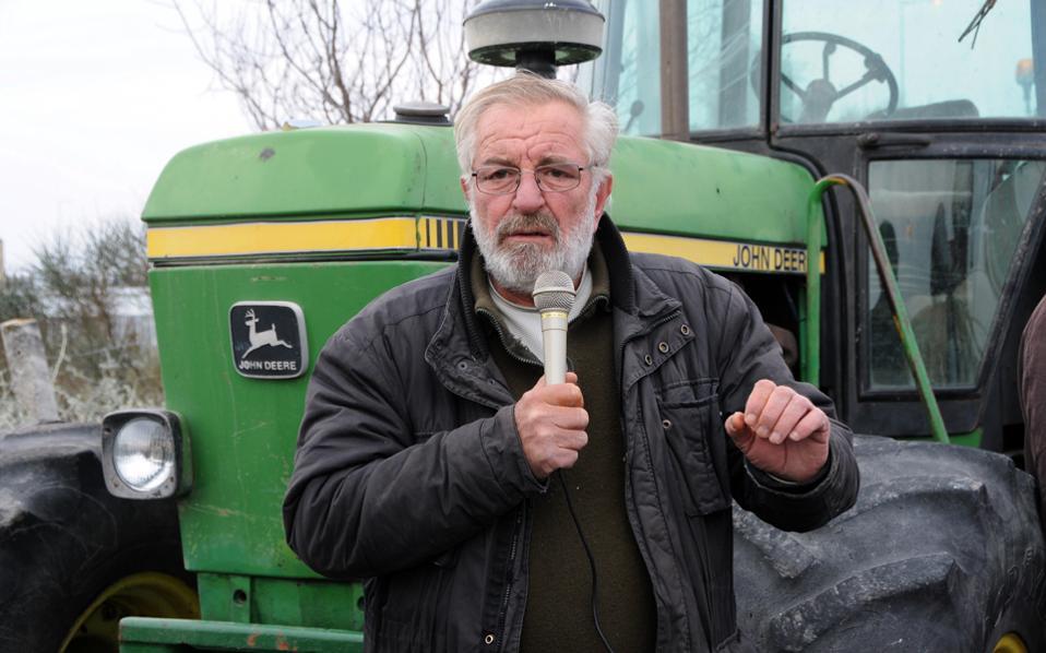 Σοβαρό εργατικό ατύχημα για τον γνωστό αγροτοσυνδικαλιστή Βαγγέλη Μπούτα – Τον καταπλάκωσε το τρακτέρ του