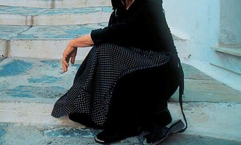 Γιαγιά στη Μυτιλήνη πέταξε βεγγαλικό και έβαλε φωτιά σε σπίτι!