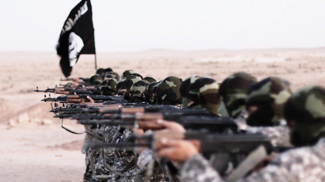 Σοκάρει το ISIS: Δημοσίευσε βίντεο με την εκτέλεση δύο δικαστικών