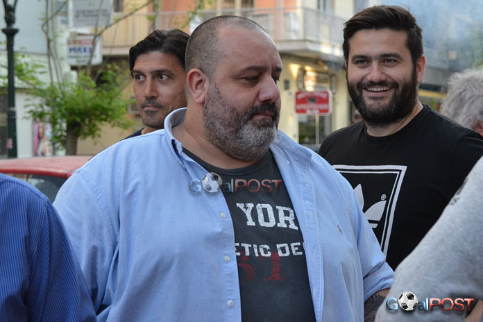 Καραπαπάς: «Δήμαρχος-ανέκδοτο, συνεργασία με Ολυμπιακό Βόλου» (vid)