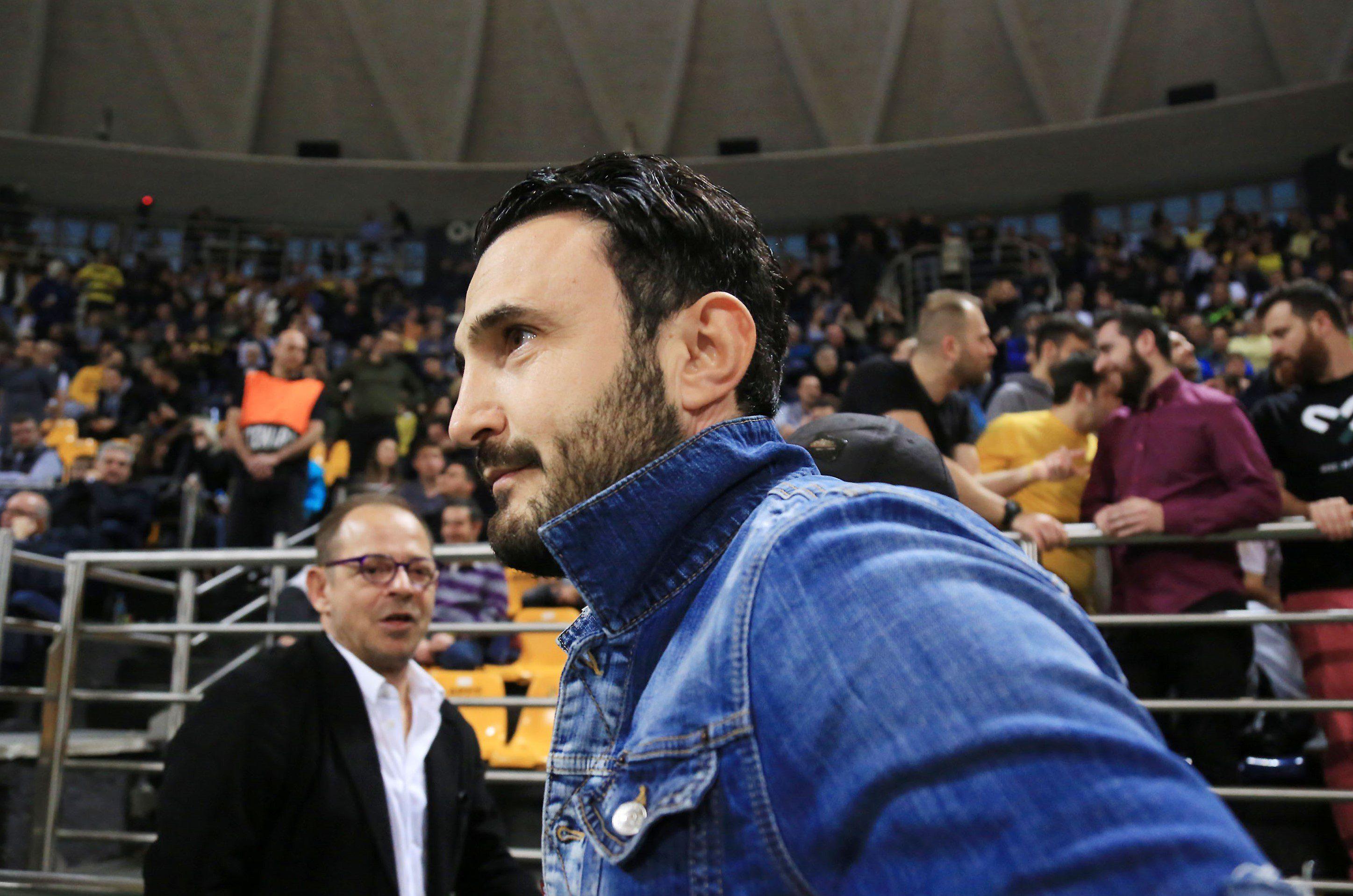 Ο Καρυπίδης είπε «όχι» στην πρόταση για την παραχώρηση των μετοχών - Sportime.GR