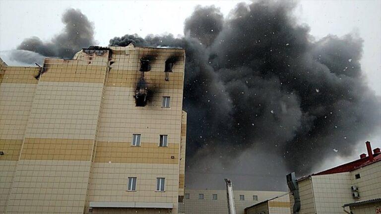 Παραιτήθηκε ο κυβερνήτης του Κεμέροβο μετά τη φονική πυρκαγιά στο εμπορικό κέντρο