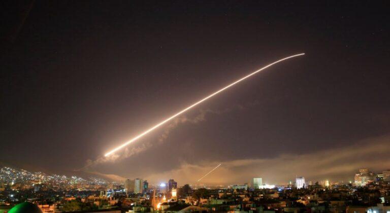 ΗΠΑ: Έτοιμες να χτυπήσουν ξανά τη Συρία αν υπάρξει επίθεση με χημικά