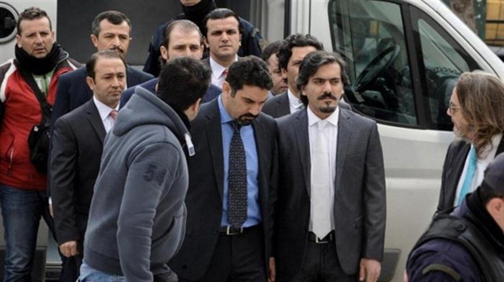 Ελεύθερος ένας από τους 8 Τούρκους αξιωματικούς
