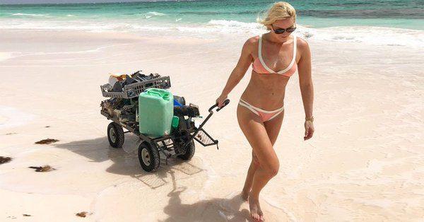 Η οικολόγος Βον, καθαρίζει παραλίες (pic)