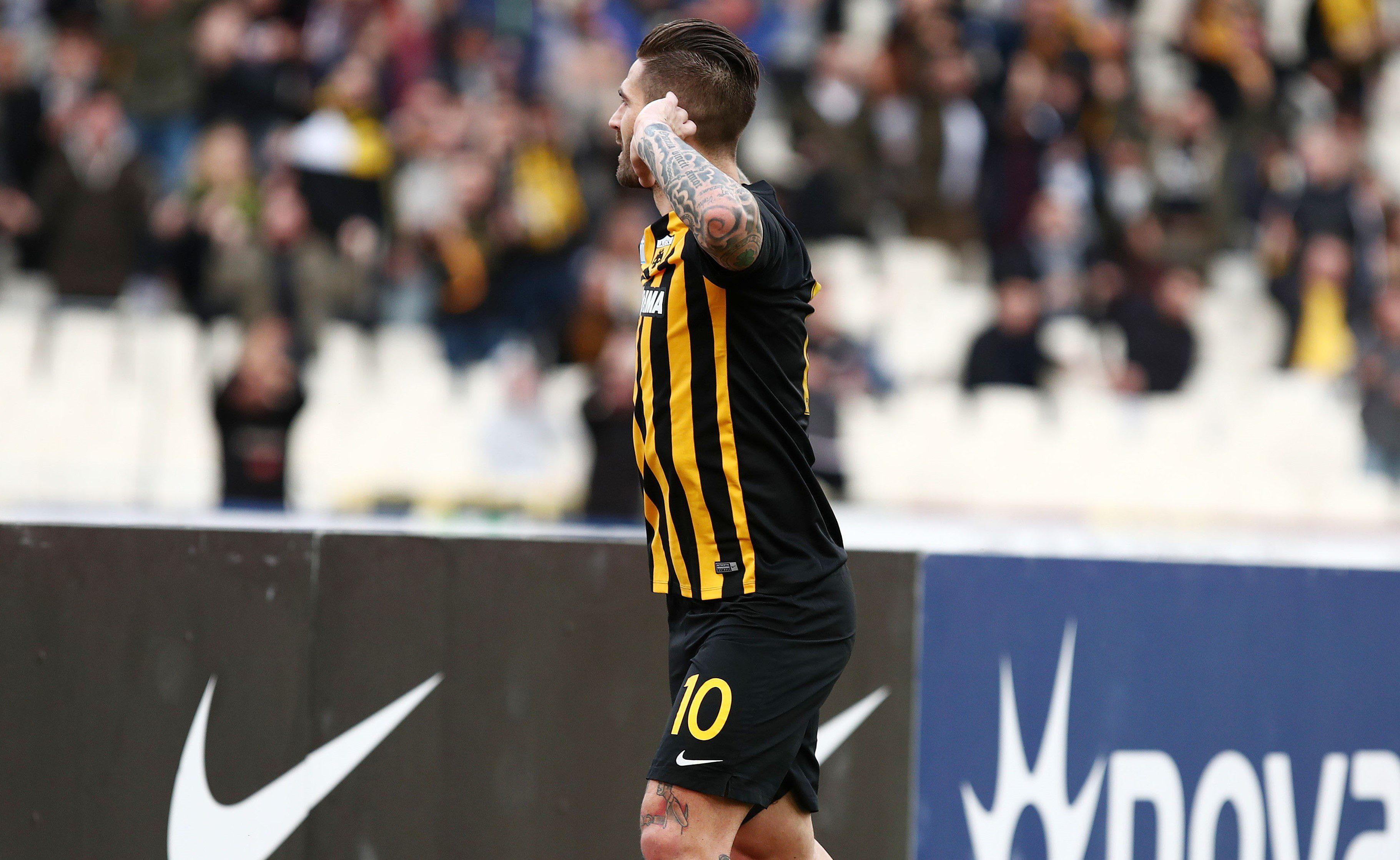 Έμεινε στην ΑΕΚ ο Λιβάια! - Sportime.GR