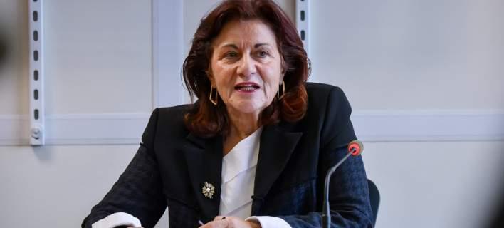 Αναπληρώτρια υπουργός Εργασίας σε συνταξιούχους:«Σπεύδετε βραδέως»