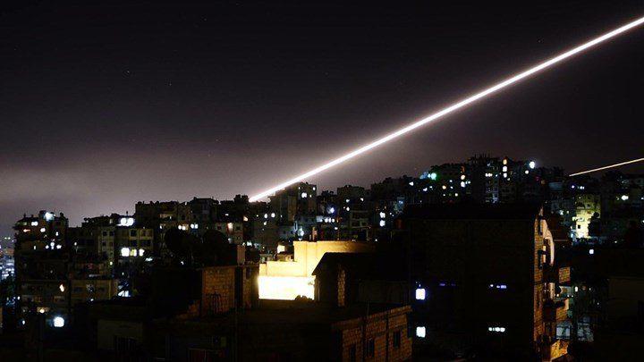 Το Ισραήλ «απάντησε» στο Ιράν με επίθεση στρατιωτικών θέσεων στη Συρία