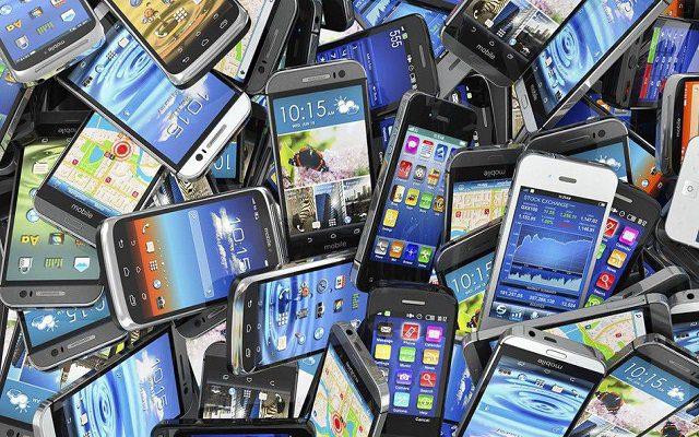 Χαράτσι 2% σε υπολογιστές,κινητά και τάμπλετ