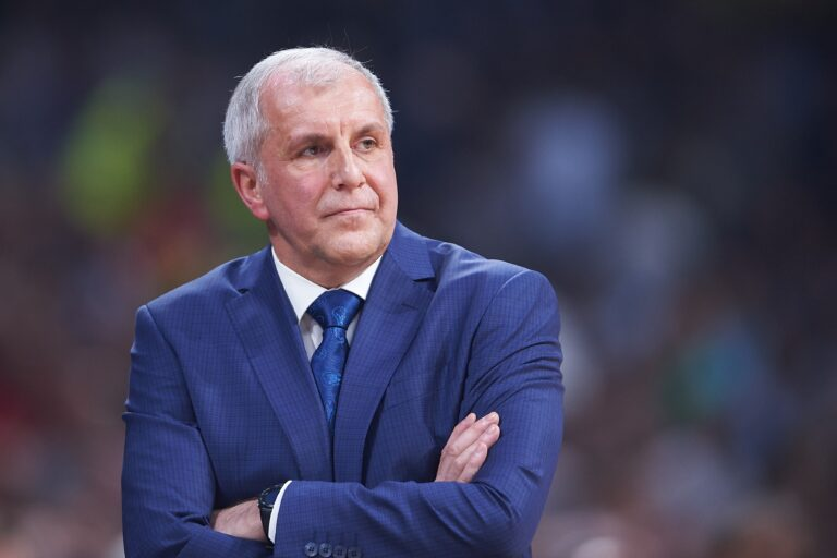 Ομπράντοβιτς: «Οι παίκτες μου έχουν χαρακτήρα»