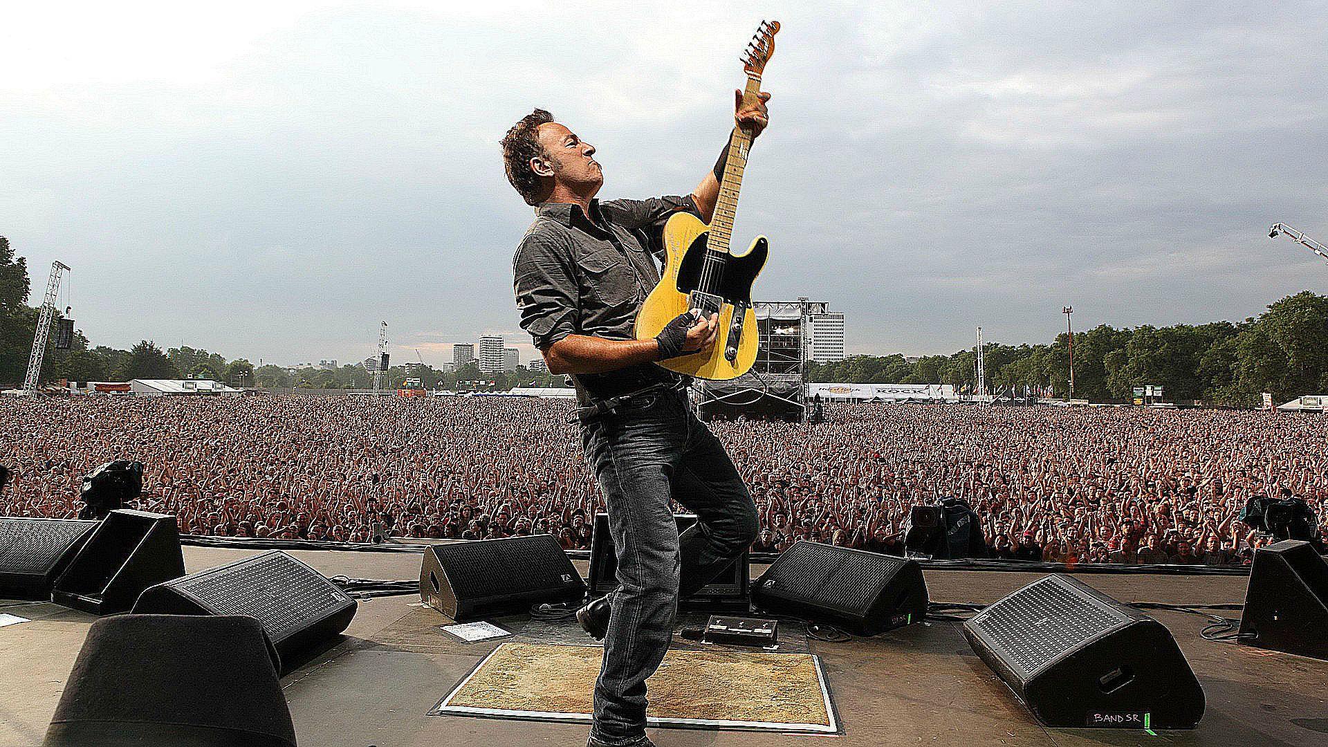 5+1 ιστορίες που δείχνουν γιατί ο Bruce Springsteen αποκαλείται «Το Αφεντικό»