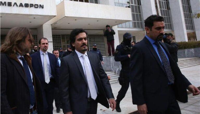 Eλληνικό Δημόσιο:Κατά της χορήγησης ασύλου στους Τουρκους αξιωματικούς