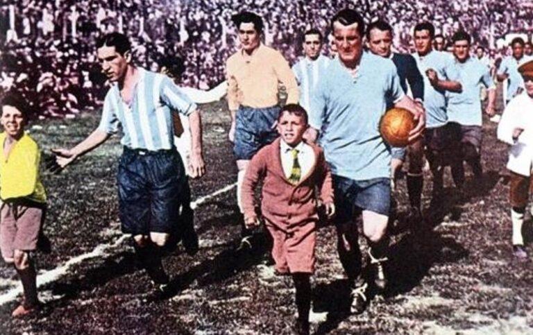 Ουρουγουάη 1930: Το Παγκόσμιο Κύπελλο είναι γεγονός!