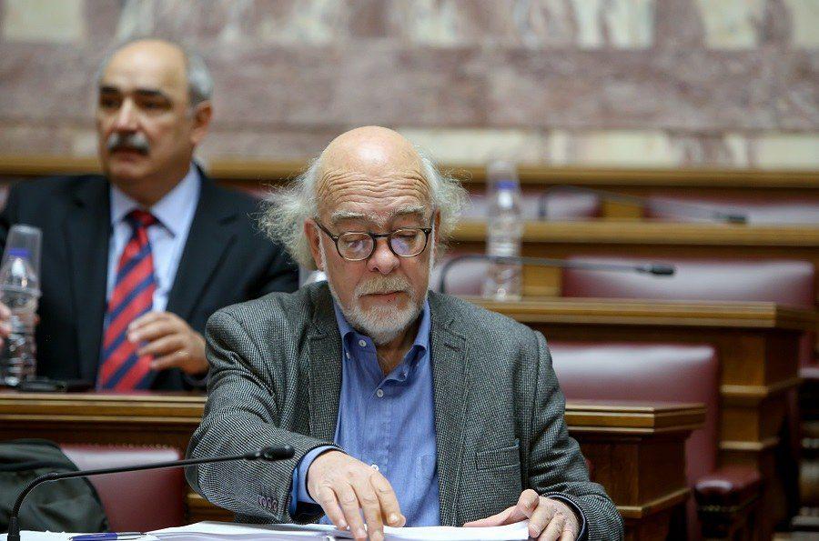 Καβάλα: Αποδοκίμασαν βουλευτή του Σύριζα (vid)