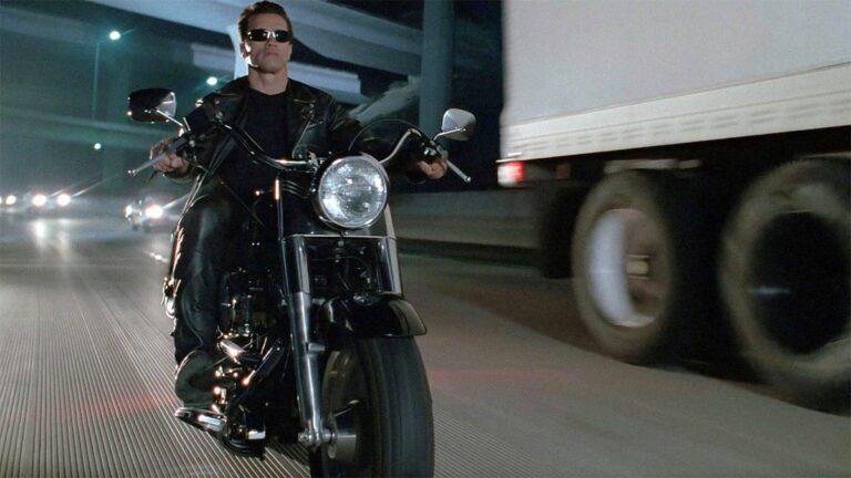 Στο σφυρί η Harley του Terminator (vid)