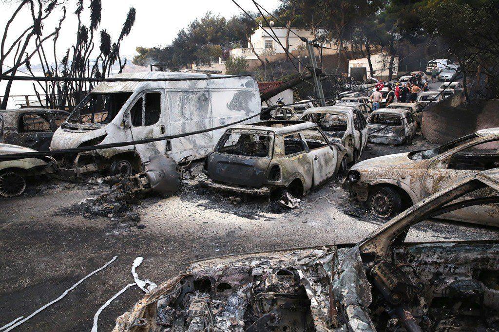 LIVE – Εθνική τραγωδία με 76 νεκρούς, φόβοι για πολλούς περισσότερους (upd)