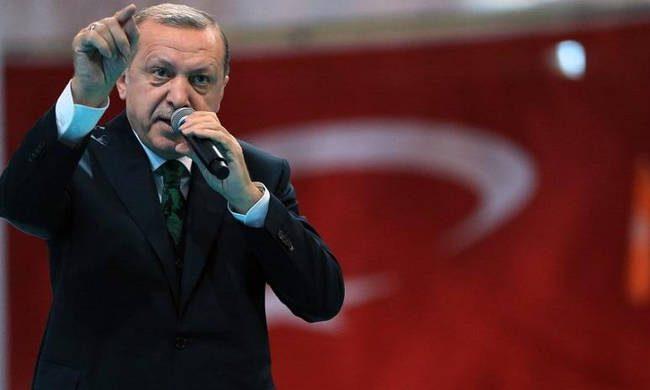 Σπόντες Ερντογάν για την Ελλάδα: «Δεν θα ξεχάσουμε ποτέ όσους προστάτεψαν τους πραξικοπηματίες»