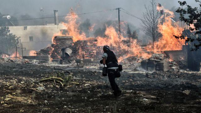 Σε ύφεση οι πυρκαγιές στην Κύθνο και τα Γεράνεια όρη