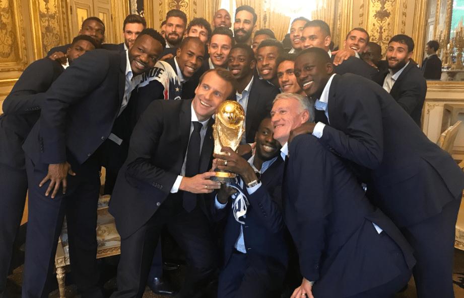 Λαμβάνουν το μετάλλιο της Λεγεώνας της Τιμής οι Παγκόσμιοι Πρωταθλητές
