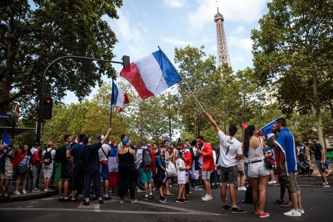 Χαμός στο Παρίσι για τον τελικό (vid)