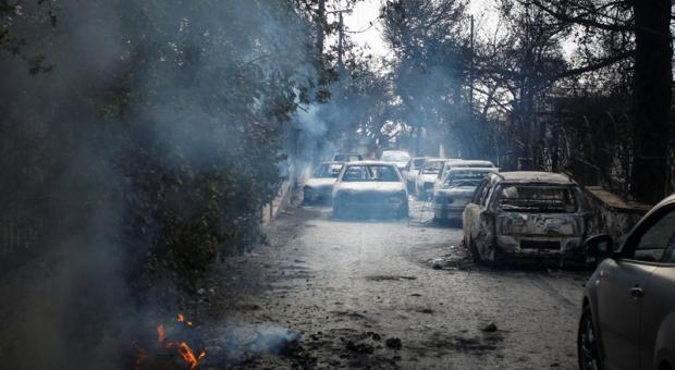 Πυρκαγιές Ανατολική Αττική: Στους 83 οι νεκροί