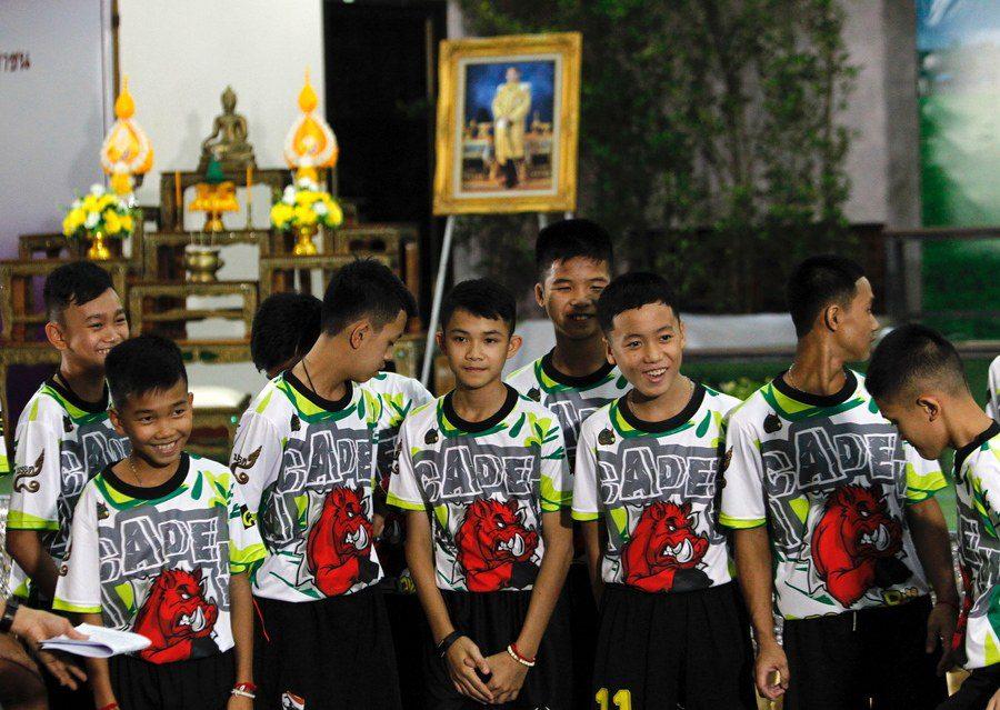 Ταϊλάνδη – Συγκλονιστικές μαρτυρίες: «Σκάβαμε με τα χέρια μας για να βγούμε από το σπήλαιο!»