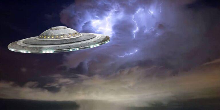 Πρώην Διευθυντής του προγράμματος για τις Διαστημικές Απειλές: «Τα UFO είναι πραγματικά»