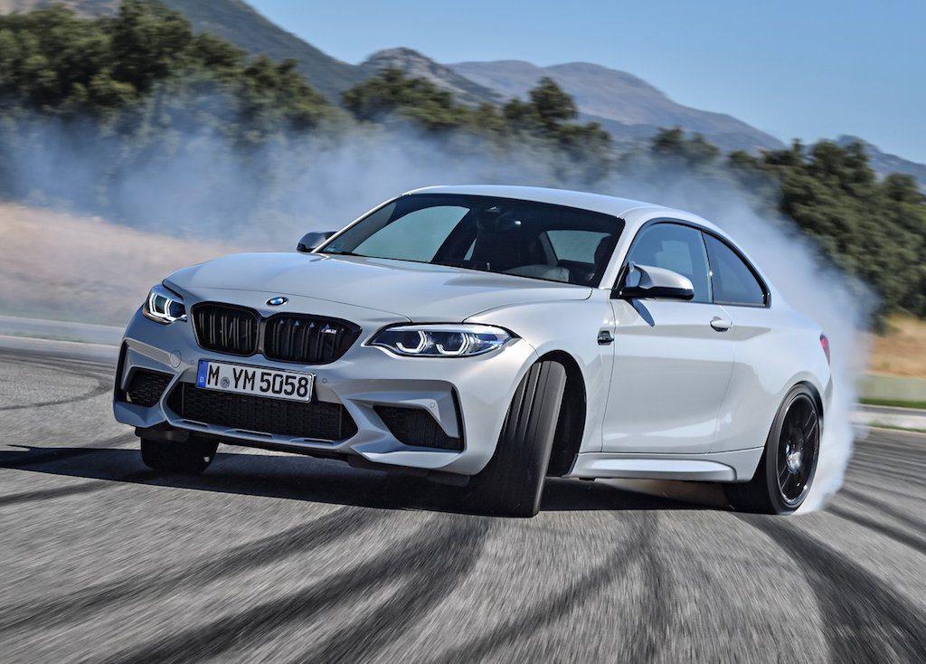 Ακόμα μεγαλύτερος πειρασμός: Η νέα BMW M2 Competition