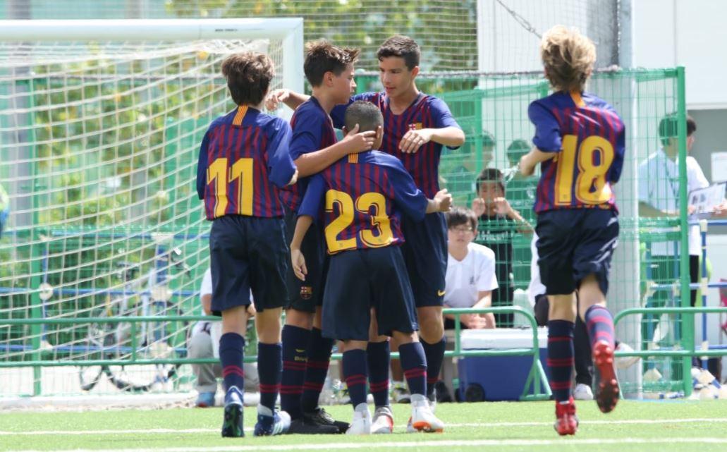 Τα παιδιά της Μπαρτσελόνα δείχνουν πως πρέπει να είναι το ποδόσφαιρο (vid)