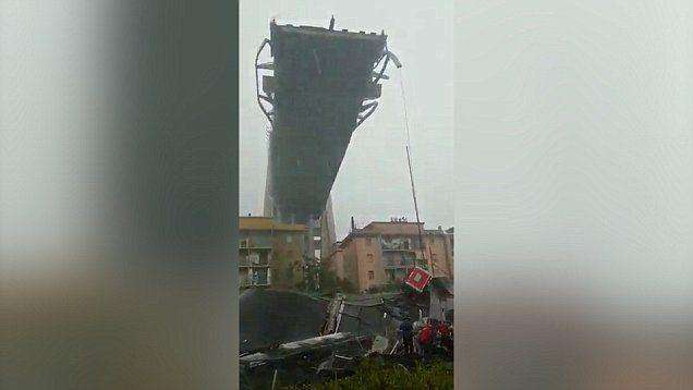 Γένοβα: Τουλάχιστον 11 νεκροί από την κατάρρευση της γέφυρας