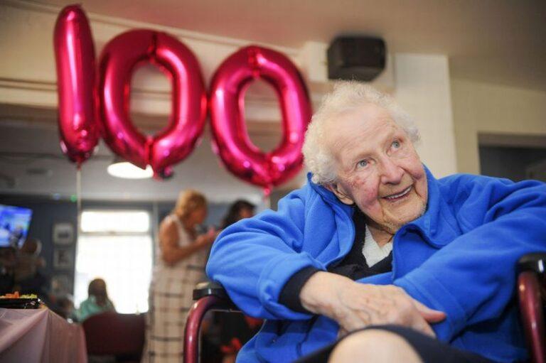 To απίστευτο μυστικό μακροζωίας για γυναίκα 100 χρονών