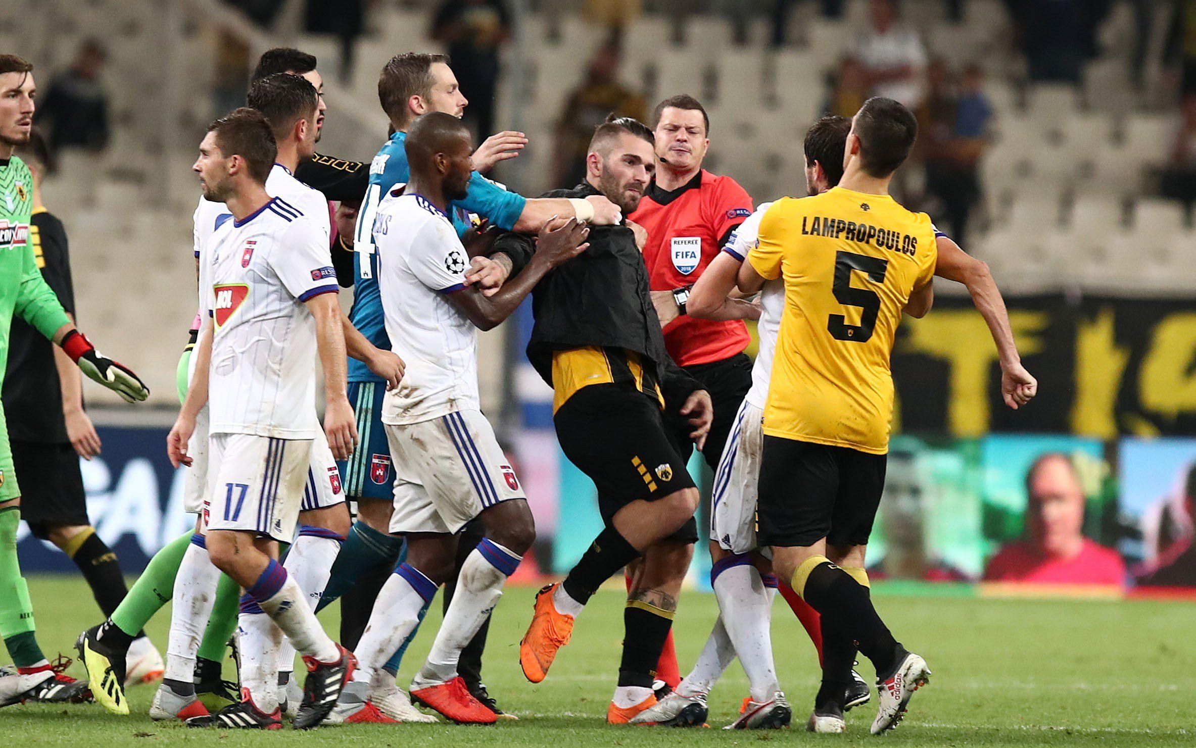 Σοκ στην ΑΕΚ, 4 αγωνιστικές σε Λιβάια, Λόπες
