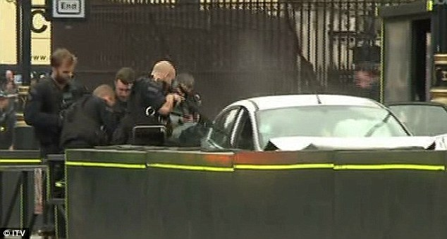 Λονδίνο: Συνελήφθη ο οδηγός του οχήματος που παρέσυρε τους ποδηλάτες