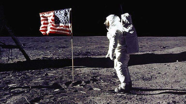 Υπάρχουν 809 πράγματα που έχουμε αφήσει στο φεγγάρι…και είναι αυτά (vid)