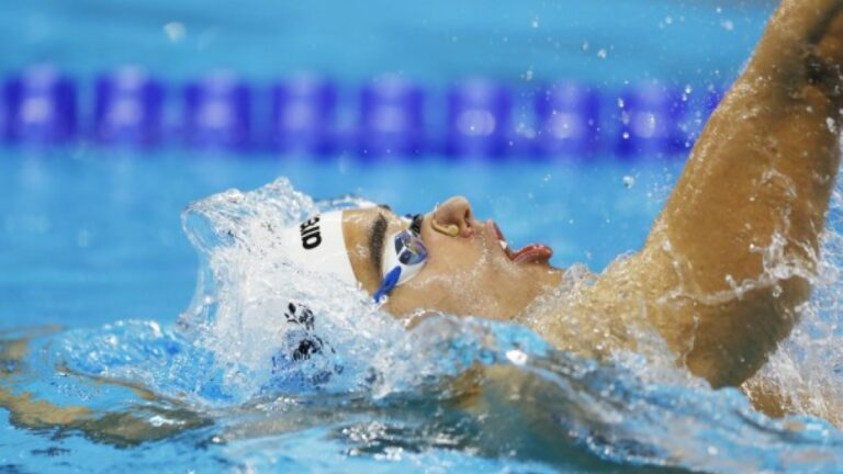 Οκτάδα στην κολύμβηση με τρεις τελικούς