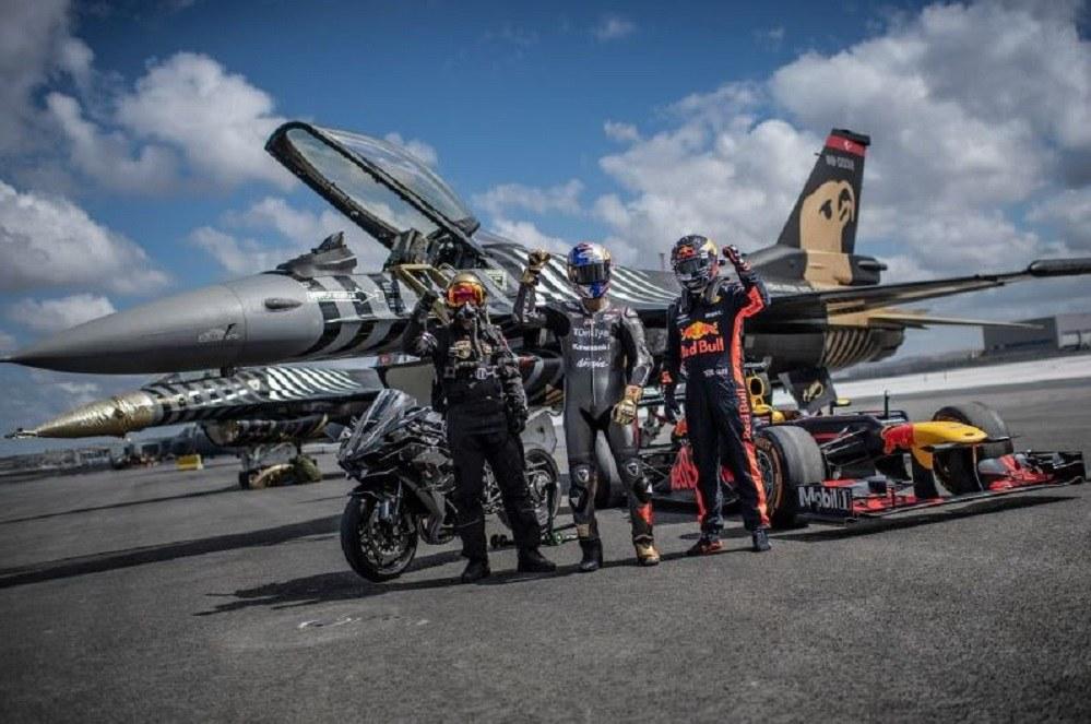 Τα «έστησαν»! Μία μοτοσυκλέτα, ένα F-16, μία F1 και πέντε αυτοκίνητα (vid)