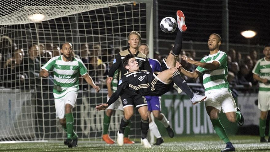«Επτάρα» ο Άγιαξ στο Κύπελλο (vids). Ο αντίπαλος της ΑΕΚ στο Champions League συνέτριψε 7-0 την ερασιτεχνική Τε Βέρβε