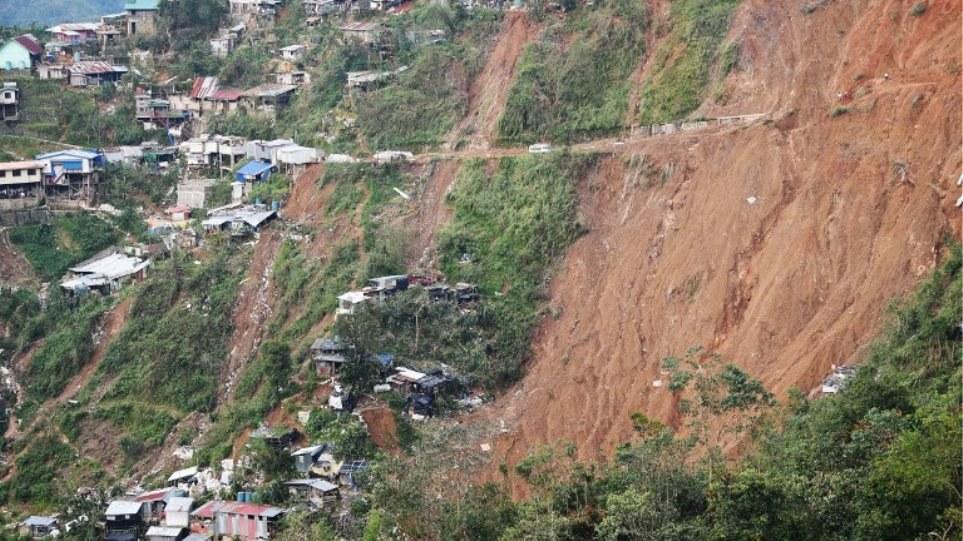 Φιλιππίνες: Δεκάδες νεκροί και αγνοούμενοι από τον τυφώνα Μανγκούτ (pics/vids)