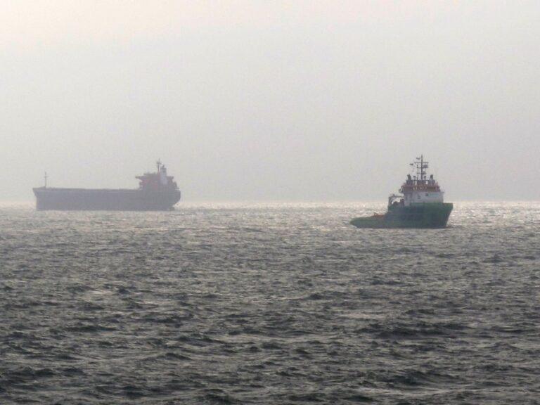 Μηχανική βλάβη σε φορτηγό πλοίο ανοιχτά της Σύρου
