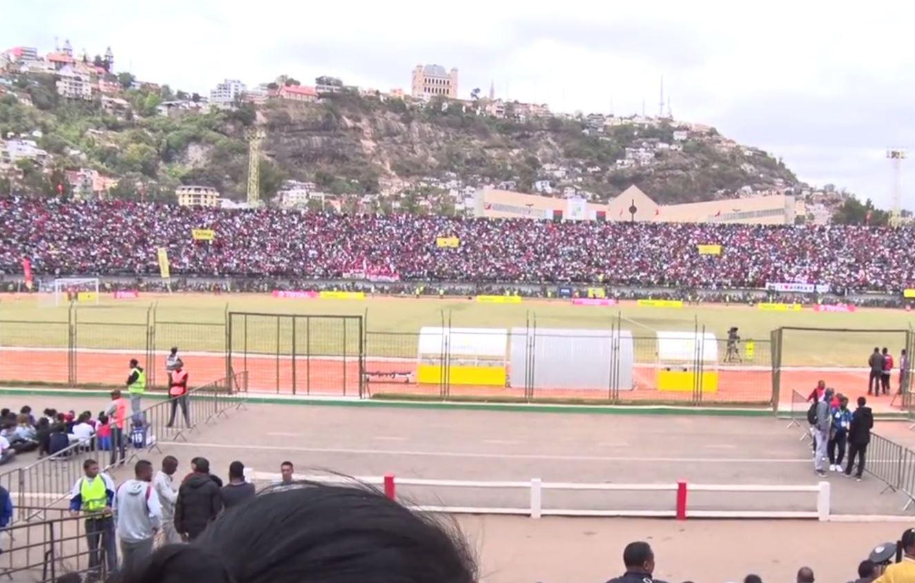 Ποδοπατήθηκαν σε ποδοσφαιρικό αγώνα στη Μαδαγασκάρη (pics)