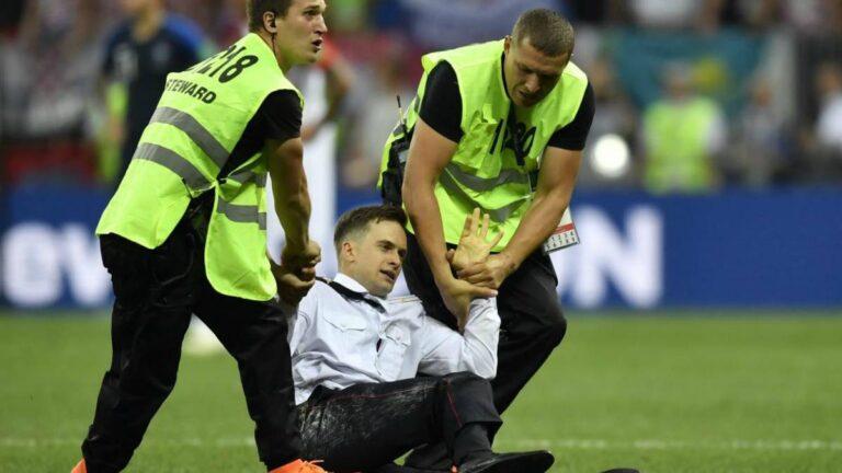 Δηλητηριάστηκε ο ακτιβιστής που εισέβαλε τον τελικό του Μουντιάλ