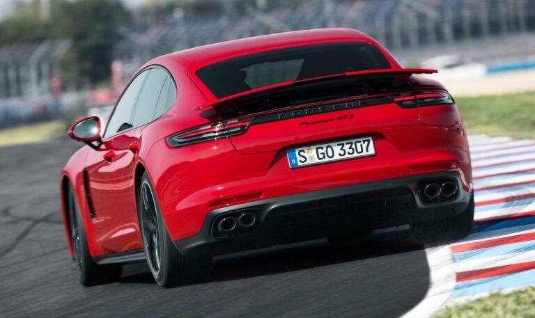 Νέες εκδόσεις GTS για τη γκάμα της Porsche Panamera, με V8 και 460 ίππους
