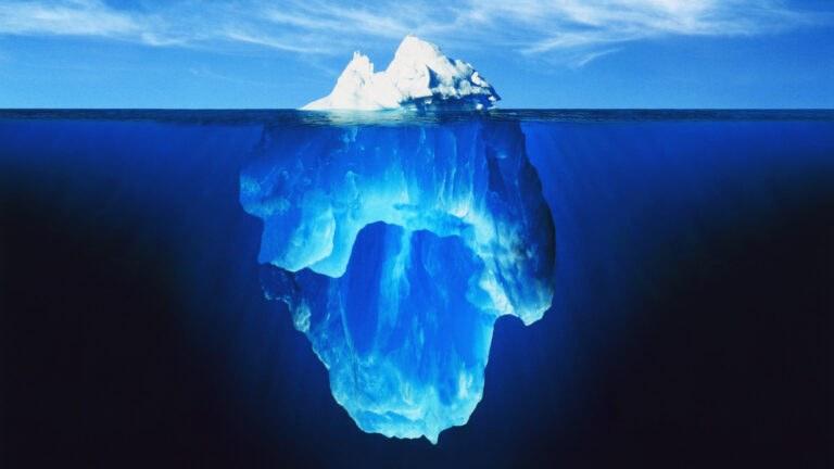 NASA: Φωτογράφισαν γεωμετρικά τέλειο παγόβουνο στην Ανταρκτική (pics)